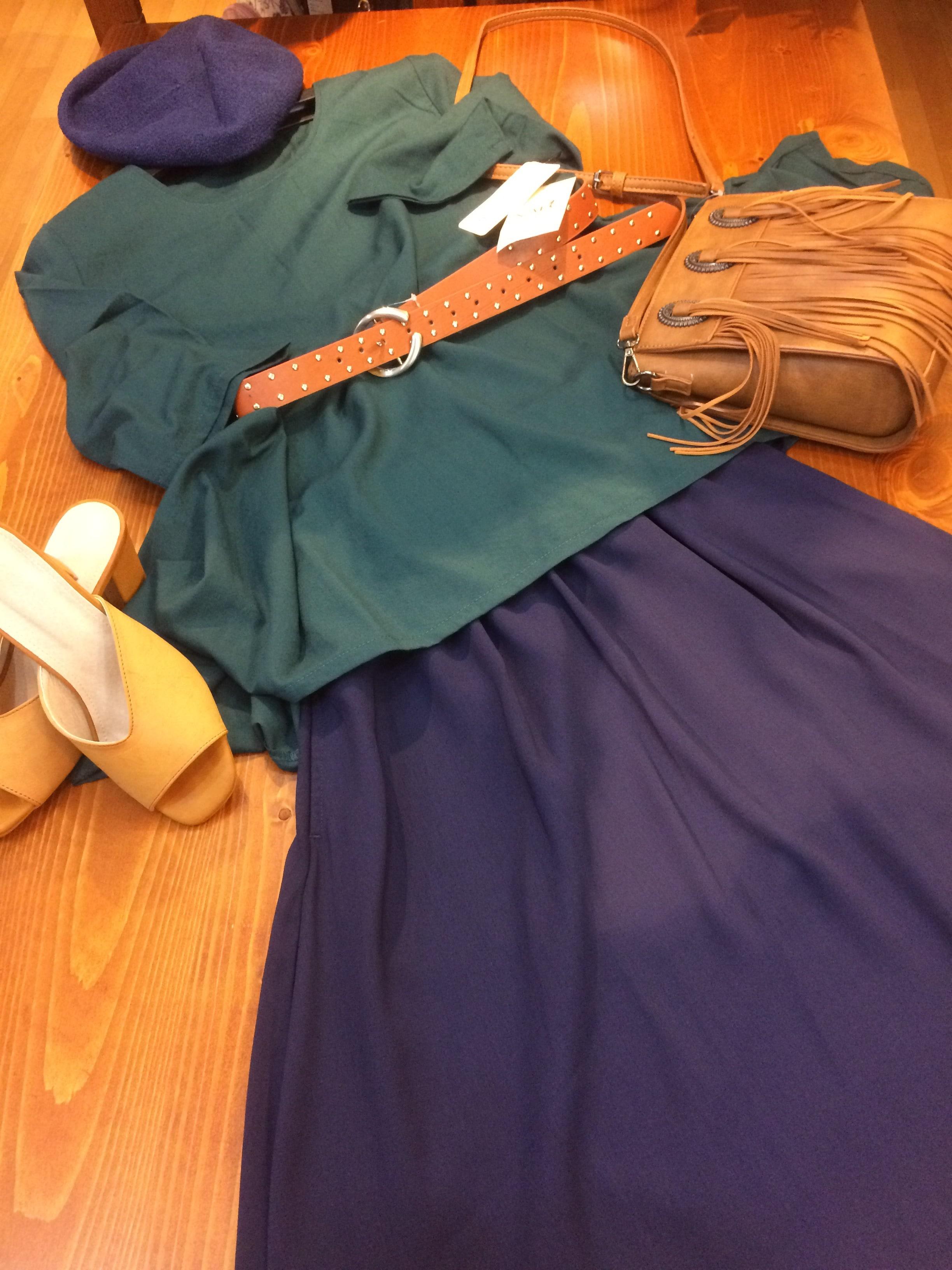 夏の終わりまで着られるファッションアイテム入荷